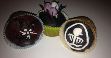 Gothic-Ostercupcakes